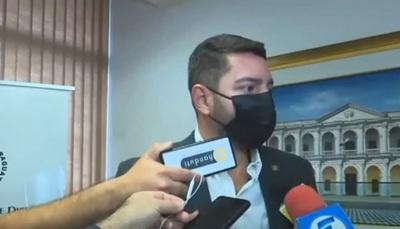 """Ofuscado Alliana dice que """"no hay ningún problema"""" con """"offshore"""" de Cartes"""