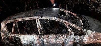 Hallan incinerado vehículo utilizado en millonario atraco en Encarnación