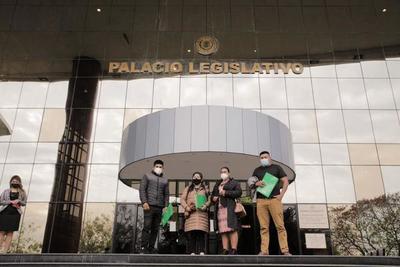 Pueblos Indígenas de Paraguay exigen formar una mesa de trabajo con los tres poderes del Estado – Prensa 5