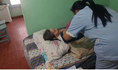 Vacunación casa por casa: mayores de 50 años pueden agendarse al 154