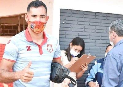 """Crónica / CLEMENTINO GONZÁLEZ: """"La clave fue trabajar duro durante toda la temporada"""""""