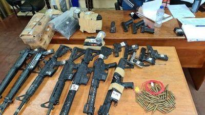 Fiscalía allana Dimabel tras desaparición de armas incautadas del Comando Vermelho