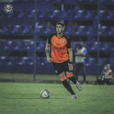 """Agustín Ale: """"Estoy muy contento en el club y en el país"""""""
