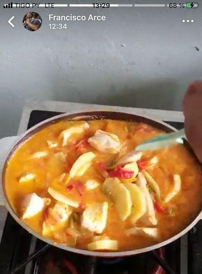 Francisco Arce, a pura cocina en la concentración de Cerro Porteño