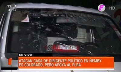 Turba atacó casa de dirigente político en Ñemby