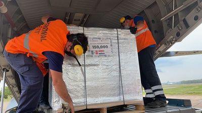 Covid-19: llegan a Paraguay 150.000 dosis de vacuna AstraZeneca