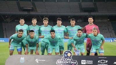 Godoy Cruz de Juan Espínola avanza a semifinales de la Copa Argentina