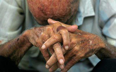 Anciano de 86 años es condenado por manosear a su nieta