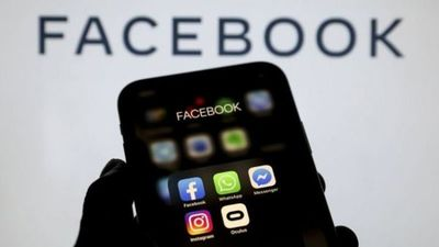 """""""Facebook es un escandaloso y reprensible ejemplo de un nuevo orden económico global"""""""