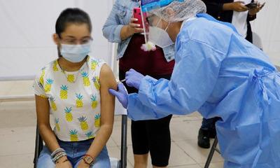 Prevén habilitar la vacunación contra el Covid de todos los adolescentes en 2021
