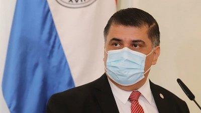 Ministro de Salud desmiente uso de saturómetros en vacunatorios