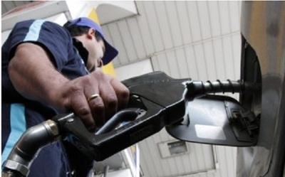 Intentan mantener el precio de combustibles a través de Petropar