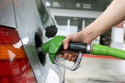 Incesante aumento de precios: Persiste presión al alza sobre combustibles y anuncian combo económico de carne