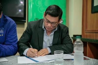Rojas Borja firmó compromiso de transparencia administrativa municipal