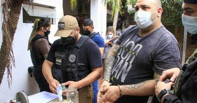 La Nación / Senad detiene a cantante condenado por violencia familiar