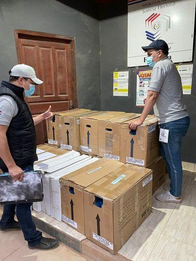 Máquinas de votación llegan a Boquerón