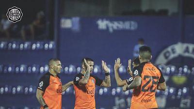El Rey resiste de pie en la Copa Paraguay