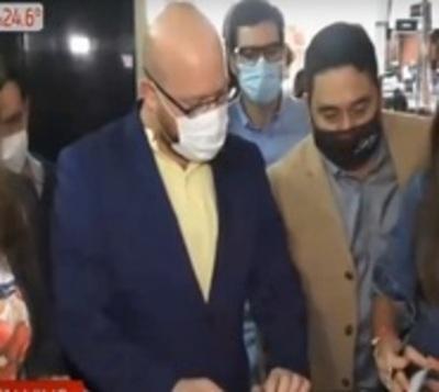 Opositores presentan denuncia formal contra administración de Nenecho