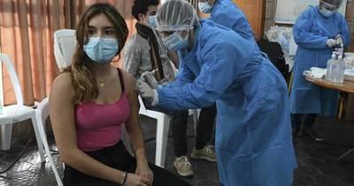 La Nación / En Uruguay, más del millón ya tienen la tercera dosis