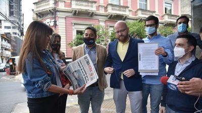 Opositores piden que Fiscalía allane la Comuna por corrupción pública