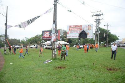 Retiran carteles de propaganda política de calles de CDE