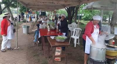 Emprendedores de Ayolas generan cerca de G. 27 millones en feria