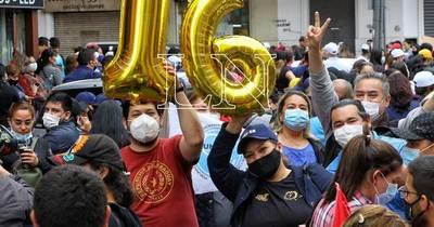 La Nación / Tras nuevo fracaso en las negociaciones, docentes anuncian huelga de hambre desde el lunes