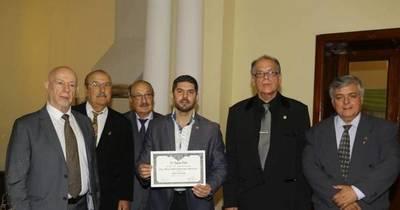 La Nación / Nenecho Rodríguez participó de los 111 años de la Unión Club