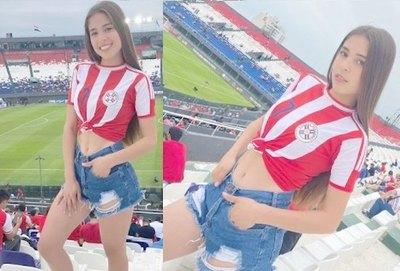 """Crónica / ¡LA BEBÉ ALBIRROJA! """"Recibí muchos nuevos seguidores en Insta por mis fotos en la cancha"""""""