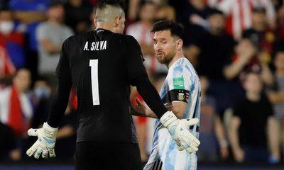 """Silva a ta'yra de Messi: """"¡Levantate cagón!"""" (video)"""