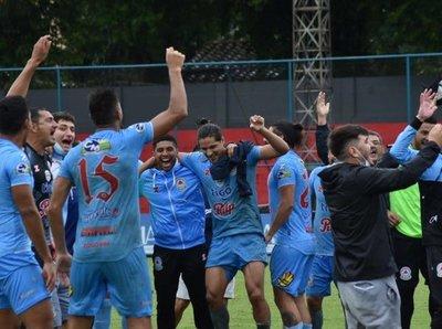 """La """"Chaca"""" de fiesta: Resistencia obtiene el ascenso a la Primera División"""