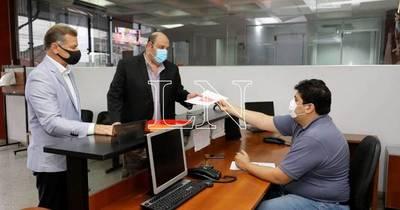 La Nación / Denuncian ante la Fiscalía que personas utilizaron logo del diario La Nación para difundir noticia falsa