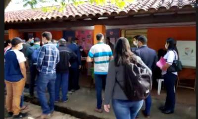 Distintos locales de votación a nivel país se abren y dan inicio a las elecciones municipales