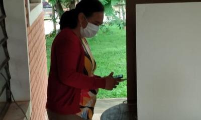 Mujer es fotografiada cuando sacaba foto a su boletín de votación en Coronel Oviedo