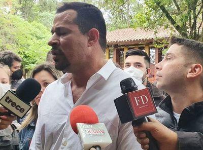 """Ulises Quintana se molestó con periodistas por """"preguntas capciosas"""" sobre """"Cucho"""" y Horacio Cartes"""