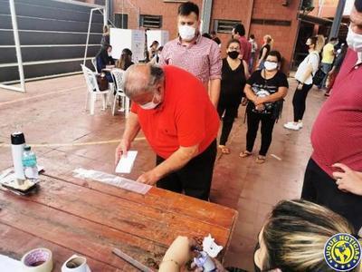 """Sin cargo, sin amigos: El condenado OGD votó a """"escondida"""" •"""