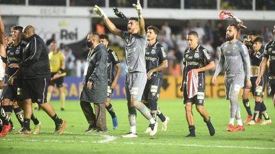 Santos derrota a Gremio y lo hunde en la zona del descenso