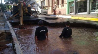 Más de 8 barrios sin agua por cráter de la Essap en Asunción