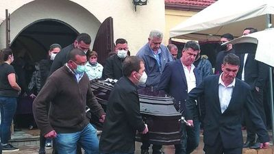 Dieron el último adiós a la hija del gobernador