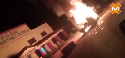 Incendian camioneta de intendente electo en Domingo Martínez de Irala