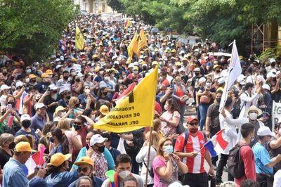 Docentes siguen con el paro y desde hoy anuncian huelga de hambre