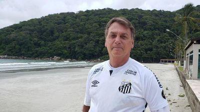 Bolsonaro no pudo asistir al partido de Santos por no estar vacunado
