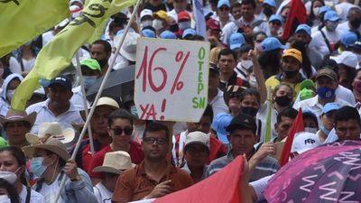 """Economista prevé """"años fiscalmente complicados"""" si conceden reajustes"""