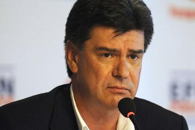 Miembros del directorio del PLRA analizan convención para destituir a Efraín Alegre