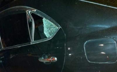 Niño de 3 años golpeó la cabeza contra la ventana del auto y murió