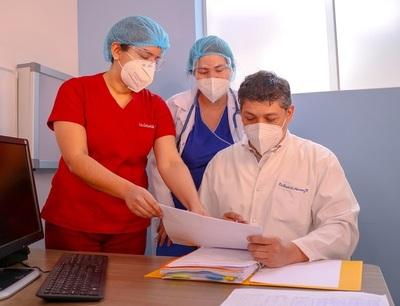Salud reduce a 12 horas la carga horaria a médicos de 6 hospitales