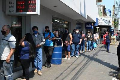 Suspensión por Covid: Casi 3000 trabajadores siguen ganando la mitad del salario mínimo