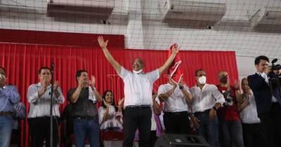 La Nación / Intendente electo en Ñemby anuncia auditoría interna y externa tras derrocar al clan Lanzoni