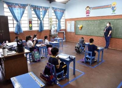 Ministro de Educación ratifica postura del Gobierno y señala que los más perjudicados son los estudiantes