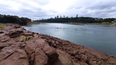 Lluvias caídas en la región permiten el repunte del caudal del río Paraná